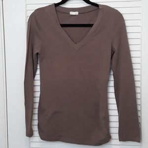 Zenana Outfitters V Neck Long Sleeve Green Top